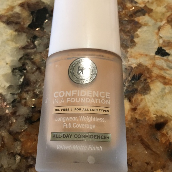 it cosmetics Other - It foundation